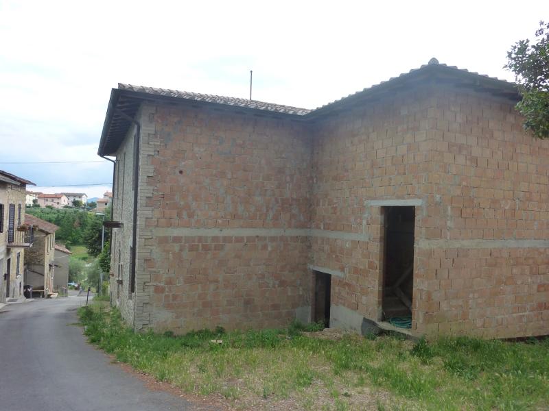Casa in costruzione agello il castello di tara for Passi per l acquisto di terreni e la costruzione di una casa