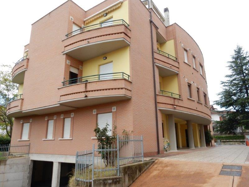 Appartamento mai abitato nuova costruzione il castello for Passi per l acquisto di terreni e la costruzione di una casa